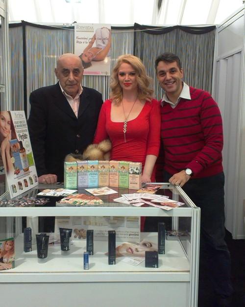 Viorel Lis vinde cosmetice!!!