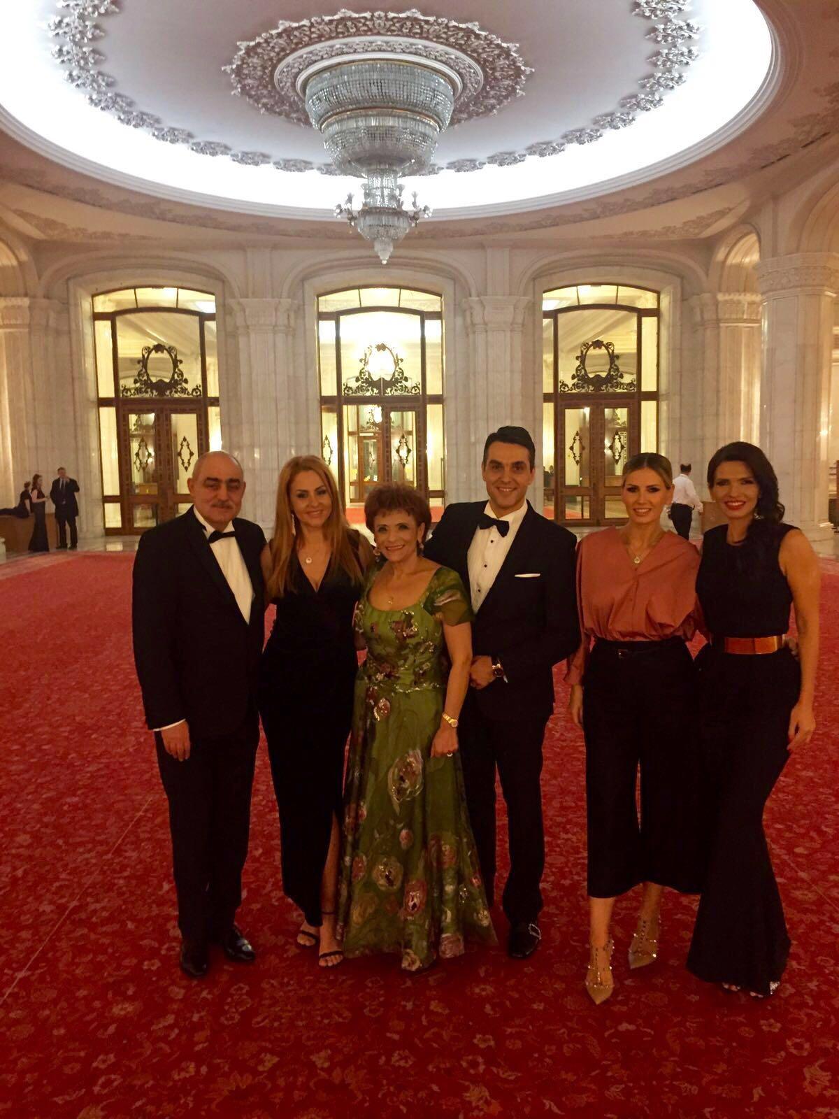 Elena Stoica mută centrul de greutate al modei la Panciu! O seara de gală într-o ținută regală!!!