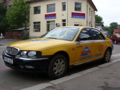 Ingerii galbeni din viaţa şcolarului Tudor: Taxi Pelicanul!