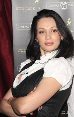 Nicoleta Luciu, ai grijă de sânii tăi!