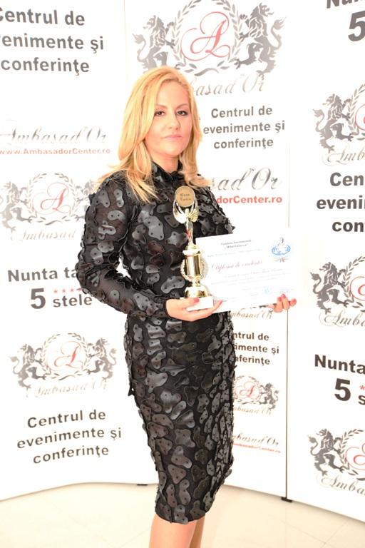 Am primit un premiu special la Gala Femei de Succes 2011!!! Credeți în visul vostru, așa cum fac și eu!!!